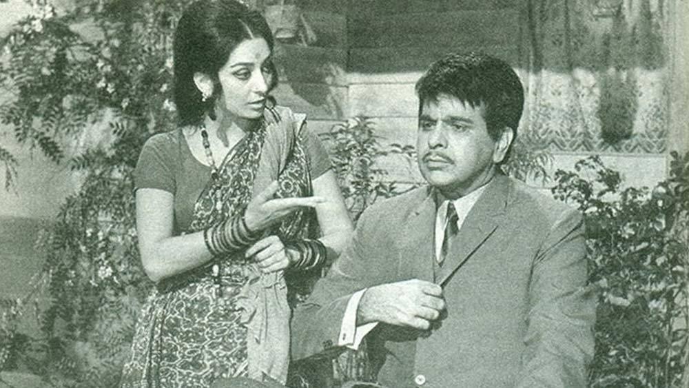 প্রায় ছয় দশক ধরে বিস্তৃত কেরিয়ারে দিলীপকুমার অভিনয় করেছেন ৬৫টির বেশি ছবিতে। 'দেবদাস', 'কোহিনুর', 'মধুমতী', 'মুঘলে আজম', 'গঙ্গা যমুনা', 'রাম অউর শ্যাম', 'শক্তি' , 'মসান', 'ক্রান্তি', 'সওদাগর'-সহ অসংখ্য ছবির নায়ক হয়ে গেলেন বলিউডের 'ট্র্যাজেডি কিং'।