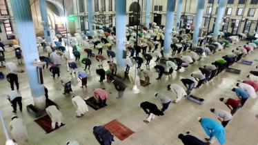 জাতীয় মসজিদ বায়তুল মোকাররমে ঈদের জামাত অনুষ্ঠিত