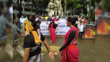 সনাতন ধর্মাবলম্বীদের উপর নির্যাতন: ঢাবি শিক্ষার্থীদের 'শৈল্পিক' প্রতিবাদ