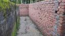 গোপালগঞ্জে প্রাচীর তুলে ৫ পরিবারকে অবরুদ্ধ করে রেখেছে প্রতিপক্ষ